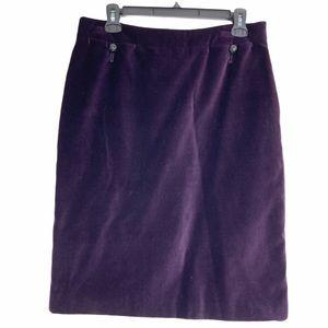 Carolina Herrera purple velvet skirt. Size 8